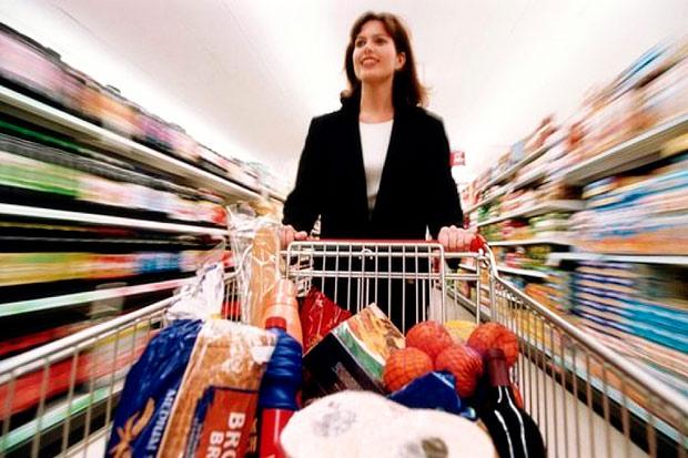 в супермаркет за покупками