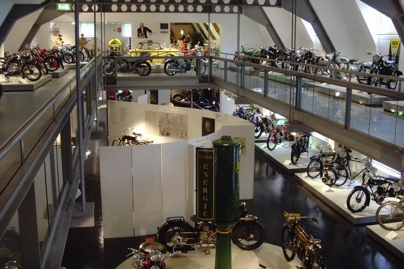 мотоциклы и велосипеды