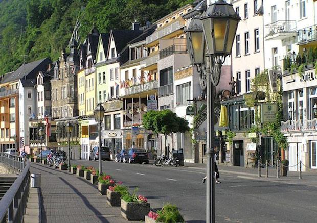 Жизнь молодежи в Германии  (тема, рассказ. текст)