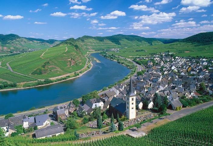 Путешествие, река в Германии