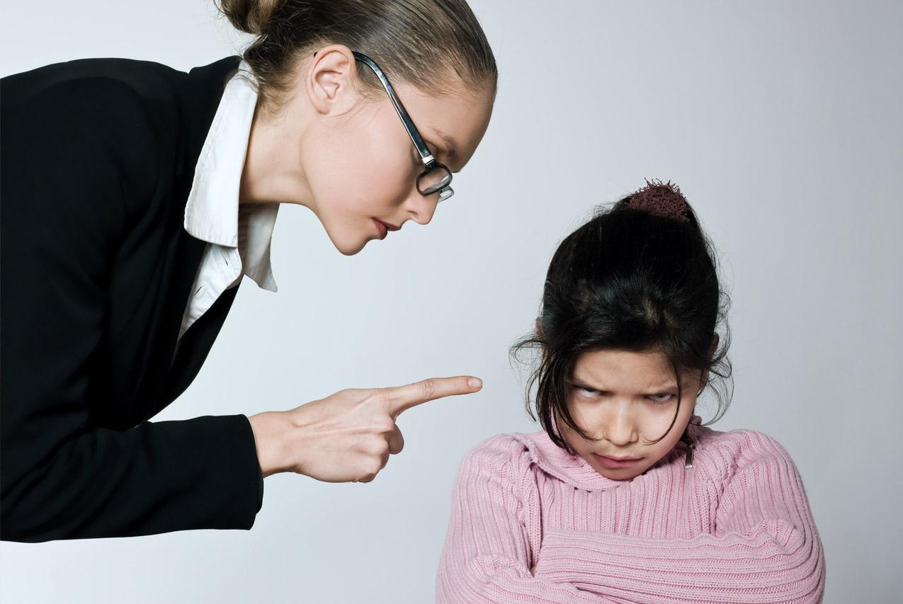 диалог учителя и школьницы