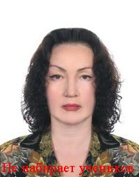 выпускница Московского государственного института иностранных языков им. М.Тореза